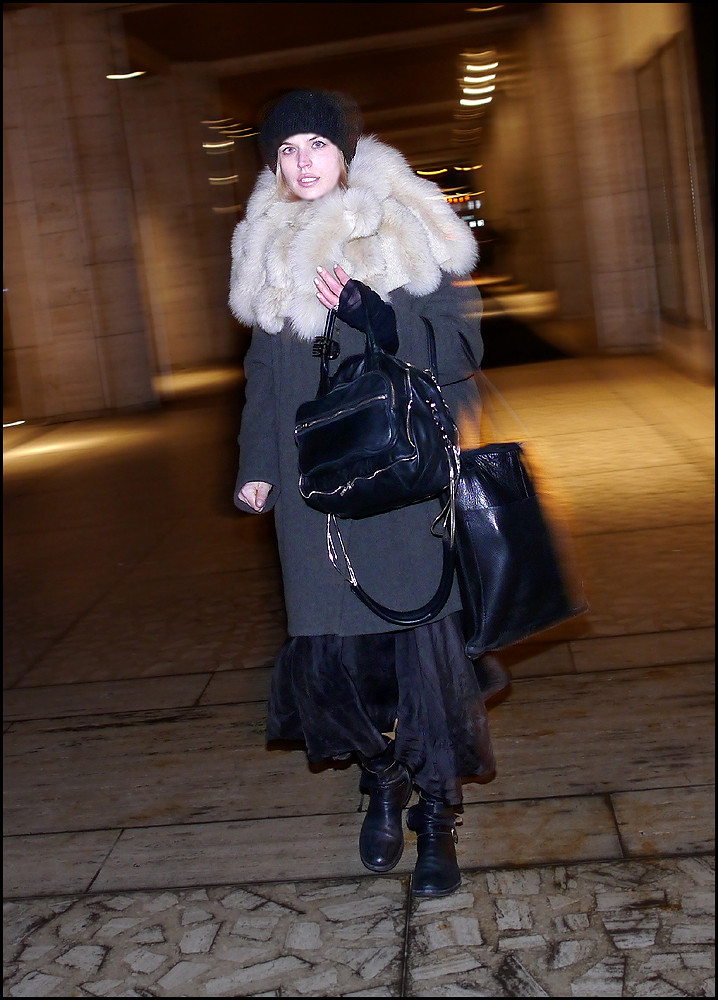 FW 2014-2-01 w huge fur collar  long grey coat long black skirt engineer boots ol