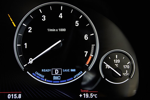 "BMW X5 PHEV <a style=""margin-left:10px; font-size:0.8em;"" href=""http://www.flickr.com/photos/128385163@N04/18923696550/"" target=""_blank"">@flickr</a>"