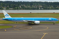 PH-BVK (sabian404) Tags: ferry cn plane portland airplane airport paint aviation international pdx boeing klm 777 ln 1106 kpdx 777300er 42172 b77w 777306er 485000 phbvk boe918