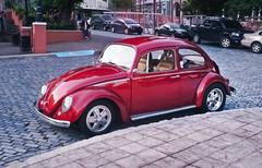Volky (SamyColor) Tags: red canon volkswagen fuji puertorico cobblestones sanjuan fujifilm adoquines fujisuperiaxtra400 canonat1 volky lightroom3 samycolor
