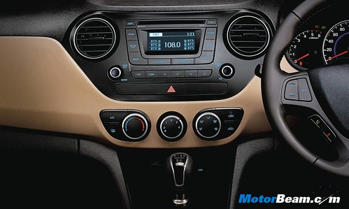Hyundai-Grand-i10-Studio-Shots-08