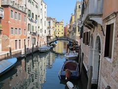venezia e i suoi canali (g.fulvia) Tags: italia barche venezia gondole canali
