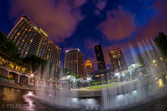 Downtown Louisville Fountain (Tyler Bliss) Tags: fountain skyline clouds downtown kentucky louisville belvedere bluehour twighlight galthouse aegonbuilding