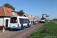 Drukte op de dijk (Maurits van den Toorn) Tags: bus amsterdam mercedes crane dijk autobus kran dike durgerdam gvb kraan deich amsterdamnoord stadsbus