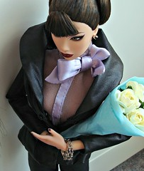 Kyori (Deejay Bafaroy) Tags: new roses portrait white closeup toys doll pants miami ooak vice porträt lips blouse hose pony jacket rosen makeda bangs adele fr weiss rayna puppe jacke sato bluse dania integrity irresistible hairstyling chignon rockmebaby highbrow repainted kyori zarr fashionroyalty haarknoten stirnfransen