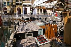 Barca44 (photoalfiero) Tags: ocean sea water boat barco sailing ship barcos liguria sails streetphotography nave sail sailboats vela navegar marinas veliero tirreno barchedepoca barcheavela tallschip lesignoredelmare lestradeparlanoimuriurlano