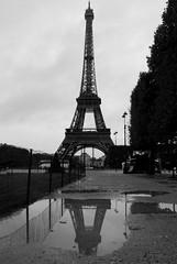 (Leeeni) Tags: blackandwhite bw paris france rain mirror eiffeltower rainy toureiffel sw eiffelturm schwarzweis