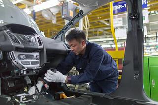 面对竞争,中国国有汽车企业不愿放弃合资模式