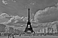 JKN©-14-N31-IR-2009 (John Nakata) Tags: paris france ir infrared bw15