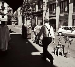X man. (mar.s.martinez) Tags: madrid street blackandwhite bw monochrome spain europe braces suspenders biancoenero blancetnoir photosnap tirantes fotografiacallejera nothingisordinary steeetphotography postaleshumanas