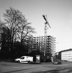 Buildingsite (rotabaga) Tags: sverige sweden svartvitt göteborg gothenburg lomo lomography lubitel166 ilford mediumformat mellanformat 6x6 120 blackandwhite bw bwfp twinlens