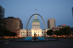 St. Louis Missouri (SpeedyJR) Tags: fountain evening missouri gatewayarch oldcourthouse stlouismo speedyjr