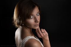 Simple (Sylvain_Latouche) Tags: light portrait eye umbrella studio nikon flash mathilde d800 rimlight strobist