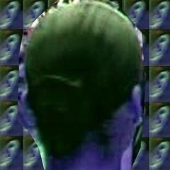 oreilles lumineux d'une fille: bleue (Norvge Oslo) Tags: mer caf girl oslo automne cola lumire femme jardin jour svalbard bleu ciel manger pepsicola cocacola fte jente coca nuit fille plage artisanal mdchen vichy fort orage oreille chocolat barr lourdes bleue parapluie mulhouse gteau danemark ragtime bellefille glennmiller sirop laitue scottjoplin berlevg morhange templeneuf templeprotestant dieuze parapluiebleu fillebleue siropbleu