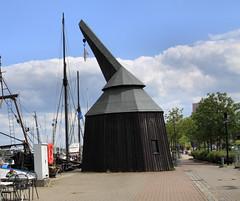 Nachbau des Hafentretkrans - Rostock (Stefan_68) Tags: germany deutschland harbour crane hafen kran rostock hanse hansestadt mecklenburgvorpommern hanseaticcity ladekran