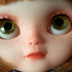 Mina's green eyes