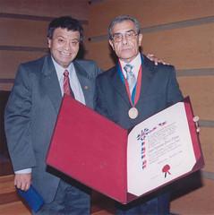 Con el Concejal de Valparaíso, D. Eugenio González Bernal, querido amigo y gran difusor de la tradición cultural de Chile.Martes 18 de abril de 2006.