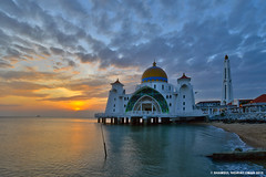 Malacca Straits Mosque | Scene 1 (Shamsul Hidayat Omar) Tags: sunset tourism beach architecture landscape photography high interesting nikon scenery dynamic shoreline places scene mosque malaysia omar straits range hdr melaka masjid malacca islamic selat hidayat greatphotographers shamsul photoengine oloneo d800e