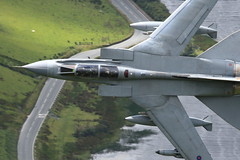 464A4311 (Cilmeri) Tags: aircraft jets tornado raf aeroplanes warplanes lowflying machloop tornadogr4 lowflyingaircraft