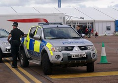Gloucestershire Police Mitsubishi L200 Warrior (MJ_100) Tags: cops police pickup gloucestershire policecar warrior l200 mitsubishi copcar emergencyservices constabulary emergencyvehicle cmspecialist