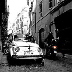 Fiat 500 con Bottiglia, Roma (pom.angers) Tags: panasonicdmctz30 february 2017 rome roma lazio italia italy europeanunion people fiat fiat500 cinquecento 100