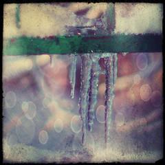 сосульки - копия (YuriiAchill) Tags: зима сосульки капель