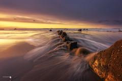 Leviethan (Caramad) Tags: mar color sunset marcantábrico bizkaia rocas agua longexposure landscape sol luz rocks wave sea seascape puestadesol barrika olas playa