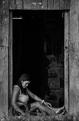 Valle del Biavo (Víctor Gamarra-Toledo) Tags: whiteandblack street streetphoto blancoynegro byn photostreetperu sanmartin woman mujer natureza mochilao trip peru amazonian southamerica