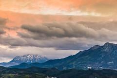 Un coucher printanier - Maroc (Bouhsina Photography) Tags: printemps orage coucher soleil kelti neige maroc tétouan tetuan bouhsina bouhsinaphotography montagne colline ciel nuage pluie canon 5diii ef70200