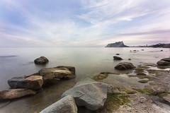 med itar en el med iterrani (torresmoll) Tags: mar acantilado mediterraneo rocas landscape marina longexposure sunset atardecer