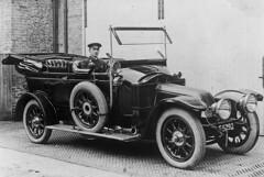 First Police Car - 1913 (Bedfordshire Police) Tags: uk england bedford beds police policecar lawenforcement 1913 policeforce bedfordshirepolice arroljohnston bedspolice