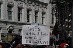 Taksim ist berall!  Taksim is everywhere! (Rasande Tyskar) Tags: turkey germany freedom hamburg protest istanbul demonstration trkei solidarity taksim erdogan solidaritt taksimsquare istifa gezipark 08062013 occupygezi heryerdirenis heryertaksim
