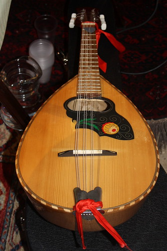 Mandolins, Bouzoukis, etc. [Necked Bowl Lutes] 14 - Mandola [Tenor Mandolin] (of Alfredo Giani)