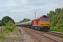 60020 Staythorpe (MS Rail Photos) Tags: station train foot crossing power db level signalbox schenker staythorpe class60 60020