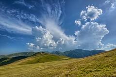 Nuvole sui Monti Sibillini (luporosso) Tags: cloud naturaleza nature clouds nikon italia nuvole natura montagna marche monti naturalmente sibillini montisibillini abigfave nikond300s