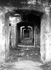 (fugu ✄----) Tags: old tunel viejo pasillo abandonado abandonated enacar