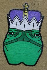 Ayatollax_9987 impasse de l'Hôtel d'Argenson Paris 04 (meuh1246) Tags: streetart paris animaux grenouille paris04 couronne crapaud impassedelhôteldargenson aimroad ayatollax