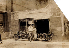 WESTON'S CYCLE SHOP (BOB WESTON) Tags: motorcycles indianmotorcycles indianmotocycles marshalltexas