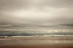 Pasa la vida (laororo) Tags: sea rain grey cantabria