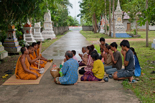 people will make merit, charity with monks for deceased