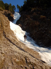 Sunny Rappel (Dru!) Tags: canada ice hope climb bc circus britishcolumbia descent sunny piccadilly climbing highway1 descend climber rappel iceclimbing rappelling chilliwack fraservalley iceclimber abseil bridalfalls stemalot iceclimb herrlingisland vthread