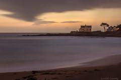 batz (Leroty Lucie) Tags: ocean mer pose de soleil coucher bretagne sur plage batz longue
