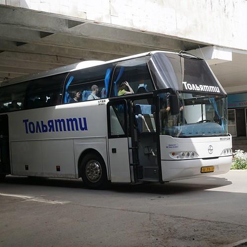 Собрались на обзорную экскурсию по Тольятти. Автобус радует патриотизмом! ☺
