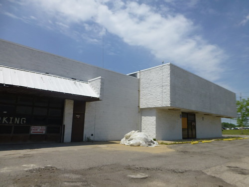 Former JCPenney Auto Center in North Randall, Ohio