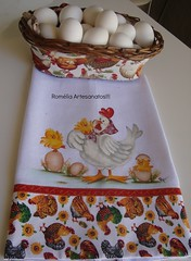 Pano de prato com pintura em tecido!!! (romelia.artesanatos) Tags: galinha com pintura ovos tecido