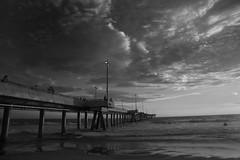 Venice Pier @  Sunset (lesandsunnie) Tags: longexposure sunset golden pacificocean hour 5dmkii