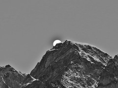 IMG_1077 (RRT:D*:D*) Tags: italy moon snow mountains alps ice montagne luna neve alpi ghiaccio rrtdd