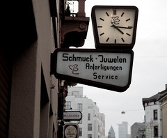 Frankfurt's decaying slowly.. (roomman) Tags: street old houses house history sign shop vintage germany four fly 60s slow time decay frankfurt watch sunday flies 70s quarter 1970 1960s 1970s jewels schmuck jewel 1960 sachsenhausen uhr timely juwelier juwelen 2013 frankfurtsachsenhausen elaps elapses