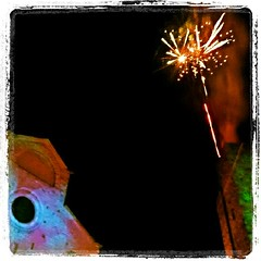 San Silvestro tra le #torri di #sangimignano #Capodanno #happynewyear #newyearseve #sansilvestro #tuscany #igerstoscana #siena #igersflorence #italy #fireworks #tuscanylandscape #toomuchtuscany #toomuchsangimignano #italy (blackcat83) Tags: square squareformat lordkelvin iphoneography instagramapp uploaded:by=instagram