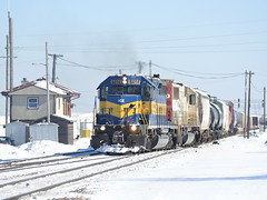 Departure time (Robby Gragg) Tags: ice bensenville sd402 6414